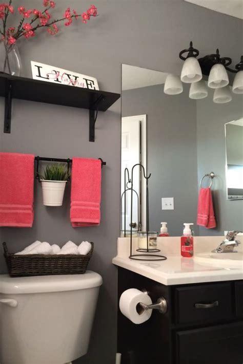bathroom decorating ideas photos 3 tips add style to a small bathroom diy home decor small bathroom decorating