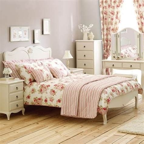 arranging bedroom furniture 17 best ideas about arranging bedroom furniture on