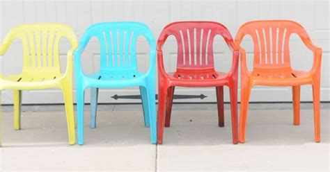spray painting vinyl furniture bring new to your plastic chairs with krylon
