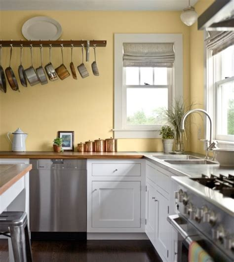 choosing paint colors for kitchen cabinets pale yellow wall color with white kitchen cabinet for