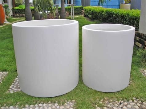modern white planter 18 inch grande fiberglass planter many colors