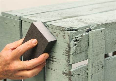 chalk paint y betun de judea c 243 mo dar efecto envejecido a tus muebles ideas carpinteros