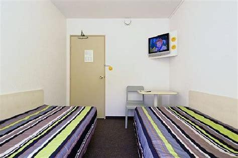 hotelf1 porte de montmartre hotel voir les tarifs 142 avis et 74 photos