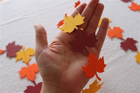 paper leaves craft five leafy projects for fall 187 dollar store crafts