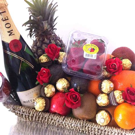 gift baskets usa win a chagne chocolate fruit her igift pty ltd
