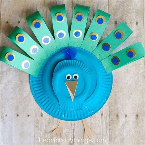 how to make craft with paper plates gorgeous paper plate peacock craft i crafty things