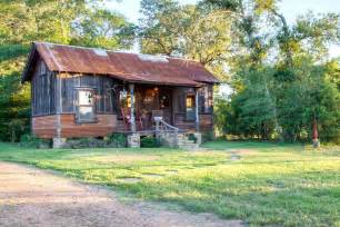 small house in the cowboy cabin tiny houses small house bliss
