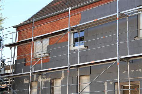 Dachdämmung Altbau Kosten by Wann Ist Ein 220 Berbau Der Fassaded 228 Mmung Zum Nachbar Gestattet