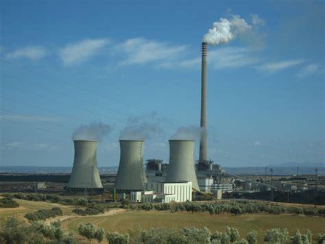 central de las centrales electricas abril 2011
