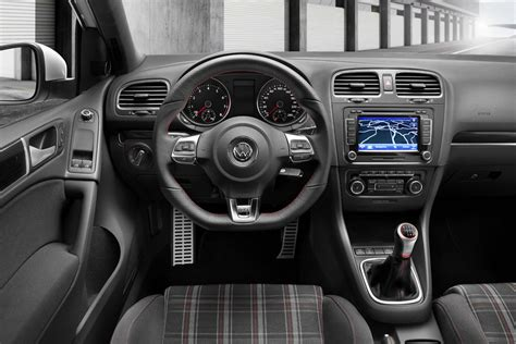 photo golf 6 gti interieur