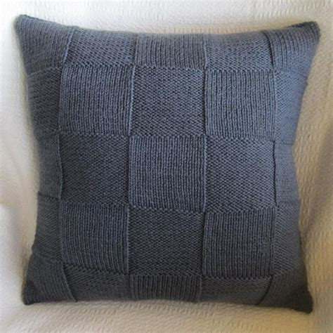 cushion knitting pattern best 25 knitted cushion covers ideas on