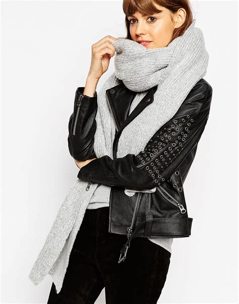 oversized knit scarf asos oversized rib knit scarf in gray lyst
