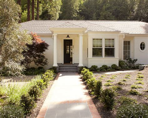 paint colors for cottage small cottage with neutral interiors home bunch interior