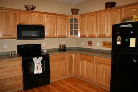 painting ideas for metal kitchen cabinets kitchen paint color ideas with oak cabinets oak kitchen