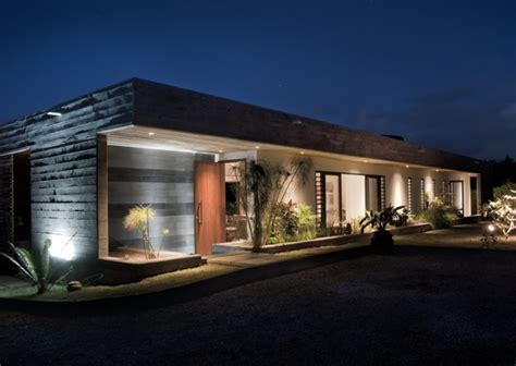 Interior House Designs maison contemporaine rectangulaire