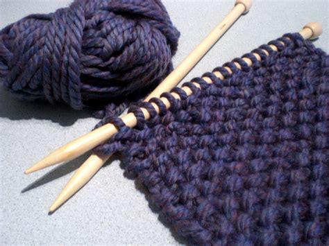 big knitting needles do a bit knitting big wool and big needles