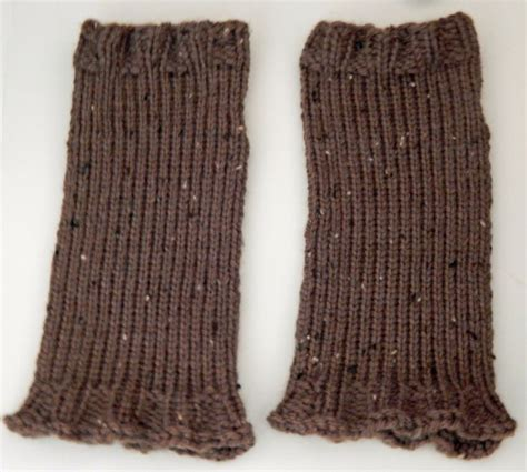 loom knit mittens 82 best loom knit wristlets mittens images on