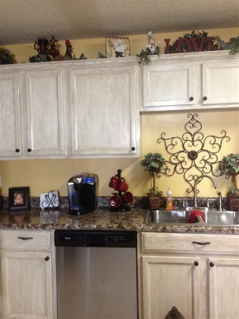spray painting laminate kitchen cabinets 134 best images about kitchen ideas on