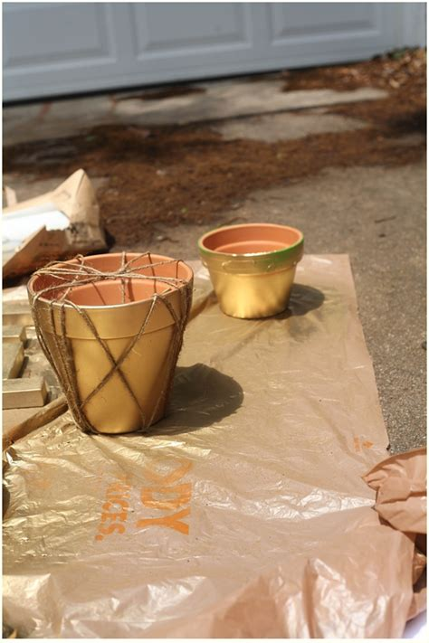 How To Spray Paint Terra Cotta Pots Run To Radiance