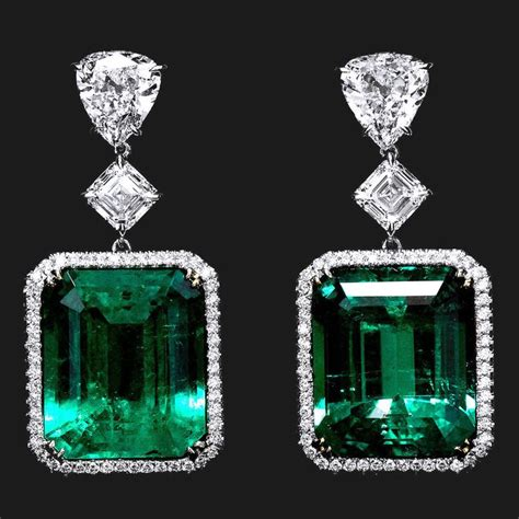 emerald jewellery 25 best ideas about emerald earrings on green