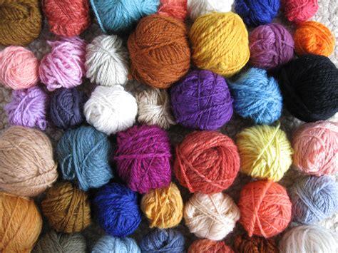 knitting in new yarn featured artist streetcolor spin artiste handspun