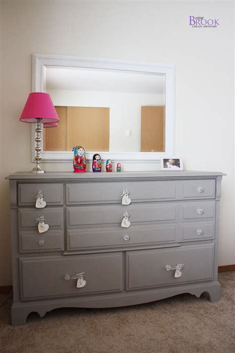 chalk paint gray dresser i this grey dresser painted with sloan chalk