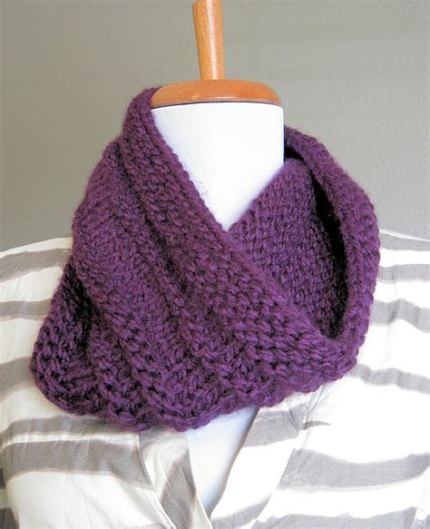 loops and threads knit diy purple knit cowl in the hammock vintage style