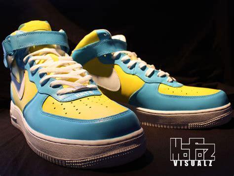 spray painting nike shoes how to customize kicks paint shoes the mofoz visualz way