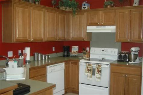 paint color ideas for kitchen with oak cabinets kitchen paint color ideas with oak cabinets anyone paint