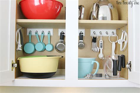 kitchen cabinet organization 13 brilliant kitchen cabinet organization ideas glue