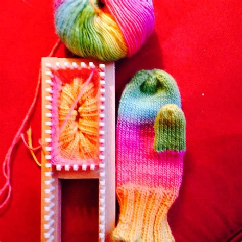 loom knit mittens 25 best ideas about sock loom on knitting