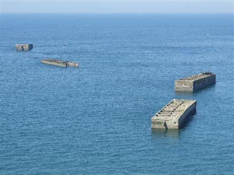 photos touristiques vestiges du port artificiel d arromanches