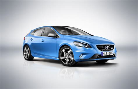 New Volvo V40 by 301 Moved Permanently