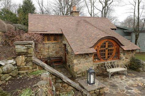 hobbits home tiny house inspired by the hobbit ny daily news