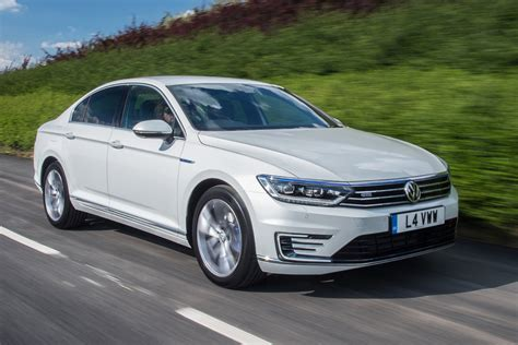 volkswagen passat gte 2016 uk review pictures auto