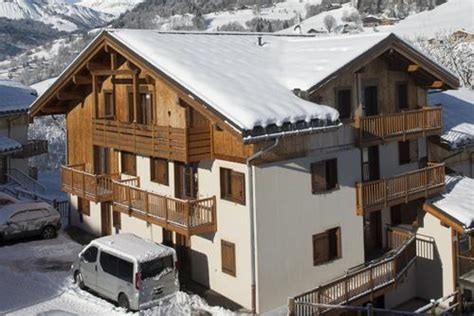 residence les chalets des evettes flumet location vacances ski flumet ski planet