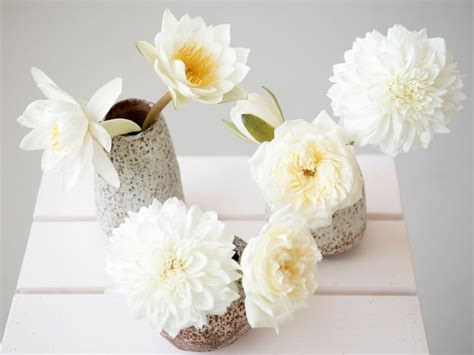 coffee table flower arrangements 5 flower arrangements to try on your coffee table
