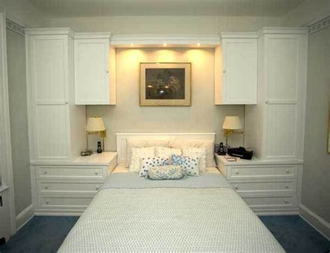built ins for bedroom 25 best ideas about bedroom cabinets on