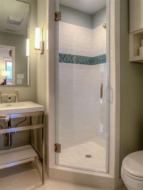 Small Bathroom Ideas With Shower Stall by 25 Best Ideas About Small Shower Stalls On