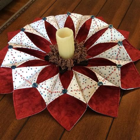 origami sewing table fold and stitch wreath patriotic theme smhstitches