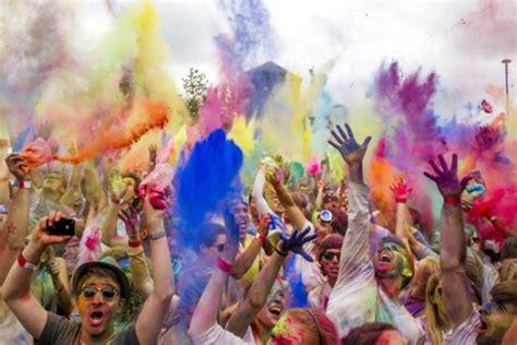 festival de painting holi festival in berlin lifestyle news sina