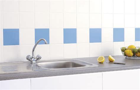 pintura para baldosas de cocina 5 ideas para pintar los azulejos del ba 241 o y la cocina