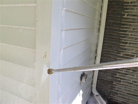spray painting vinyl siding learn the best way to clean vinyl siding how tos diy