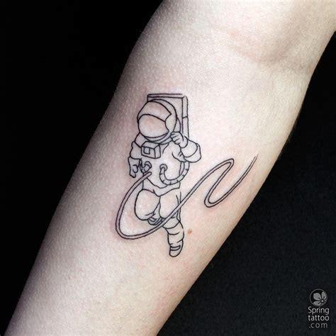 25 unique astronaut tattoo ideas on pinterest astronaut