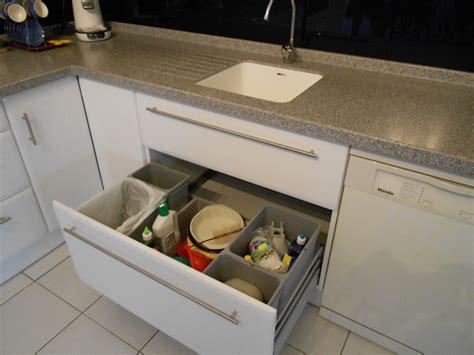 am 233 nagement de cuisine tiroir poubelles recyclage motoris 233