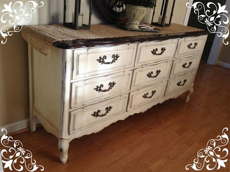 chalk paint in white vintage country style get inspired before after