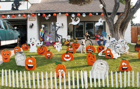 how to decorate your yard for ghastly ideas to decorate your yard this