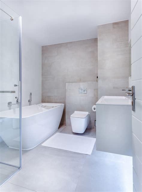 Toilet Betegelen Kosten by Badkamer Betegelen Kosten Handige Tips Homedeal