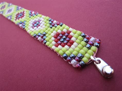 seed bead bracelet patterns and square stitch seed bead bracelet in green pink and