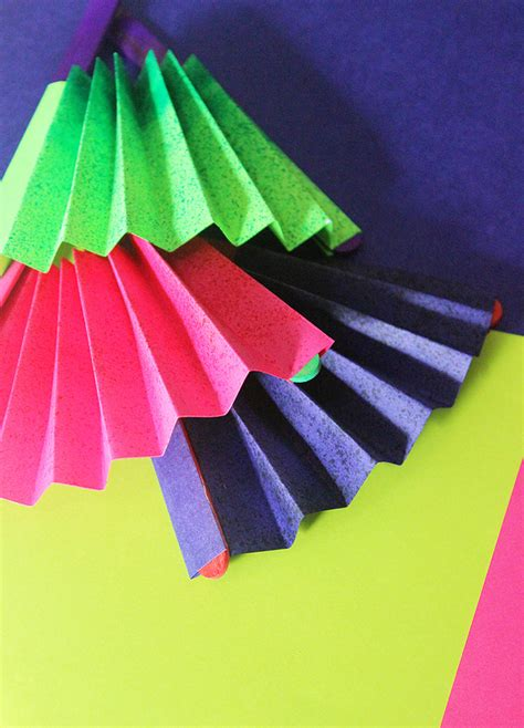 paper fan craft craft how to make a paper fan the craftables